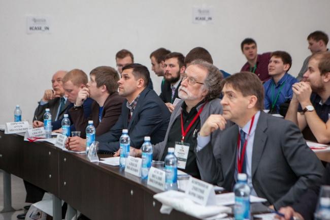 Экспертная комиссия. На перднем плане - Дмитрий Бояршинов.JPG